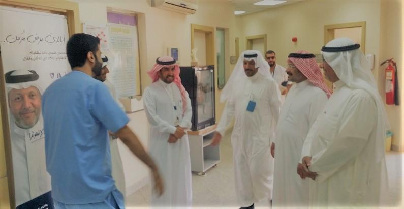 التقى العاملين والمرضى المراجعين … فريق زيارات أصدقاء المرضى تفقد مركز صحي جنوب عنيزة