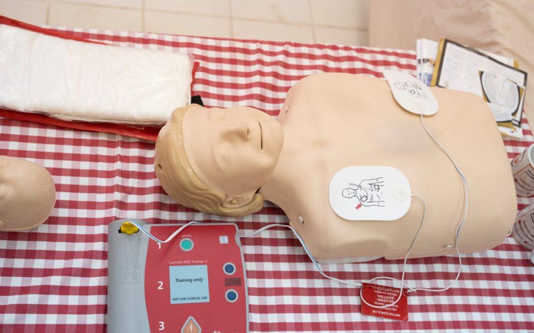 توعية أصدقاء المرضى تقيم دورتي الإسعافات الأولية والإنعاش القلبي الرئوي